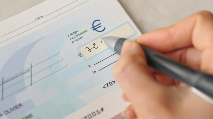 Au bout de combien de temps peut-on rejeter un chèque ?